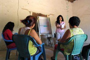 Researcher Gloria Martinez leads a focus group of women in Chiapas, Mexico. CIMMYT/Sam Storr
